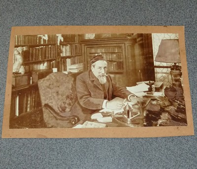 Photographie d'Anatole France à son bureau - France, Anatole